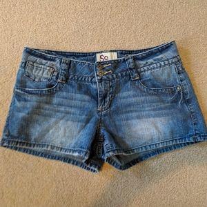 Junior's SO jean shorts 9 - Be vacation ready!
